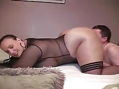 Lucky guy eats BBW chick's pussy