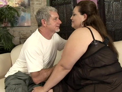 BBW sits on his face and spreads for his hard dick