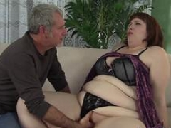 Heavyweight ass Cherie A Lunas spreads her cheeks while being fucked