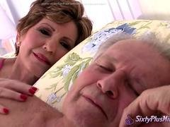 Victor Creampies in Mature Pussy