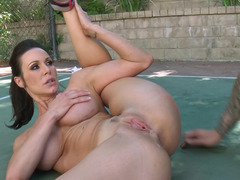 A milf that loves to expose herself is at the tennis court, fucking