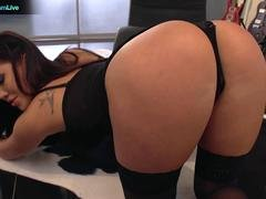 Alluring London Keyes got her gaping hole stretched