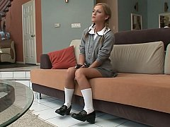 A good schoolgirl gets hardcored