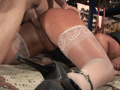 Baroness hypnotizes her man with the shapes and she will not stop