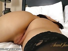 Sheena Ryder is a little sexy animal in bed