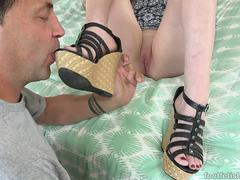 Jenna Reid Demands Her Feet Be Worshipped