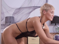 Therapist and patient have lesbian sex right in the office