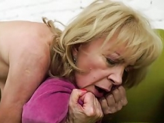 Nasty granny Szuzanne needs Olivers boner to have an intercourse her pussy