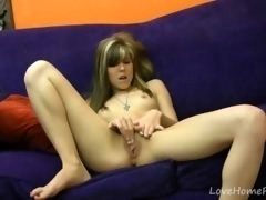 Spreading the legs to do some pussy rubbing