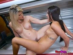 Hot And Horny Dykes Make Each Other Squirt