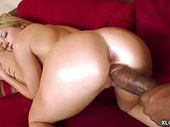 Kylee Reese gets her pussy stretched by BBC