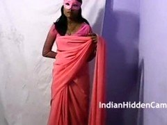 Hot indian babe sripping red sarre and show her prefect body