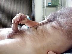 Hairy Daddy bear shooting cum