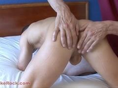A Massage And Masturbation For His Boyfriend