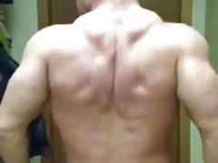 Huge str8 bodybuilder escort big bulge posing cam