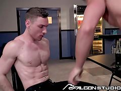 Muscle Daddy Ryan Rose Fucks Cute Horny College Boy