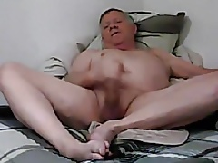 Daddy on bed 3817