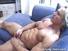Beefy Blond Whacking Off