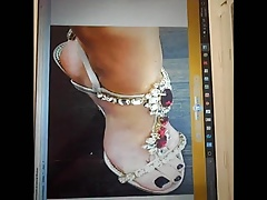 Laura Pausini Feet Cum Tribute