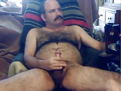 hairy daddy cums