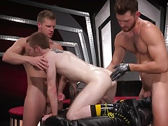 ClubInfernoDungeon Deep Fisting Fetish Threesome