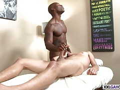 Black masseur tricks this innocent guy