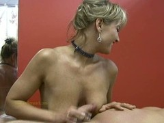 Masseuse uses her skills to appease undressed client's horny