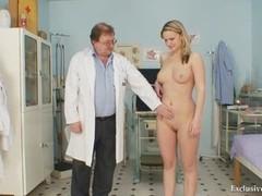 Zaneta Has Her Pussy Gyno Speculum Analyzed By Aged Doctor