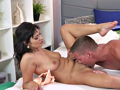 Fat dick into Milfs tight pussy in bedroom