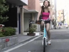 Phi - P10-01 - Girls on Bikes