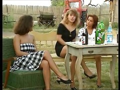 Angelica Bella And besides Simona Valli In Retro Gang Get down and dirty