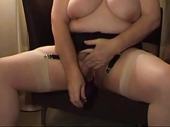 VERY HOT MATURE BUSTY LADY WITH DILDO