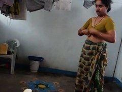 Desi with hairy armpit wears saree Corazon from 1fuckdatecom
