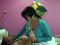 Asiatic Masseuse Gives Erotic Massage To Client