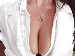Huge natural tits seducing the lesbian worker Mia Malkova