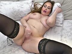 Gorgeous amateur MILF mom housewife