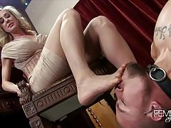 Brandi Love Femdom Milf foot worship