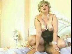Retro Grown-up Mom Sex