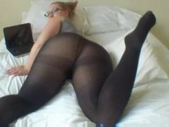 Sexy Sizeable Tooshie Babe