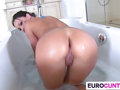 Busty euro cunt Samanta gets nailed