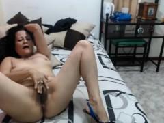 50yo milf hairy pussy fingering webcam