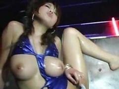Big-breasted Japanese Babe Dancing