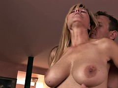 Sexy MILF Has Some Serious Blowjob Skills