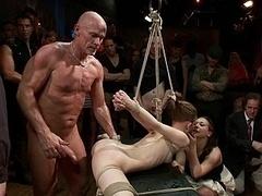 Sadomasochismus, Braunhaarige, Flexibel, Gruppe, Hardcore, Unschuldig, Sklave, Gefesselt