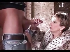 Woman Sonja has an intercourse a dude in the fabulous outdoors