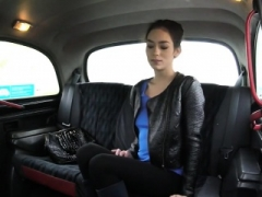 Sexy girl sucks off and furthermore boned in the cab for free fare