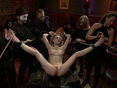 Садо мазо, Блондинки, Секс без цензуры, Унижение, На публике, Наказание, Развязные, Связанные
