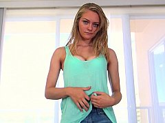 New teen Alli Rae spreading and sucking