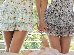 18 летние, Блондинки, Брюнетки, Смазливые, Секс без цензуры, Крошечные, Тощие, Втроем