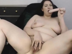 Canadian curvaceous woman with hairy pussy